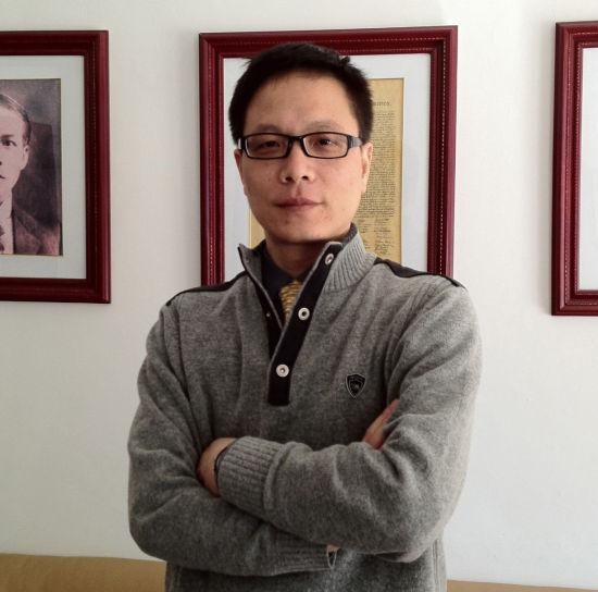 台湾政龙文教科技有限公司董事长钟藏政