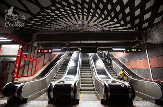 全世界最艺术最炫的地铁站