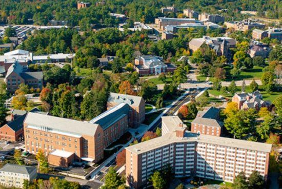 第1位:新罕布什尔州 平均学费:14,712美元