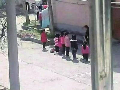老师体罚学生现场 图片来源于网友