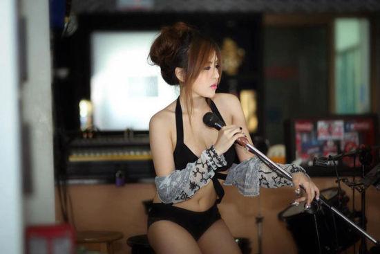 泰国全身整形Showgirl性感照