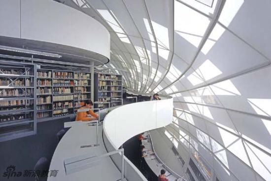 德国柏林自由大学哲学图书馆。Philological Library of the Free University, Berlin, Germany