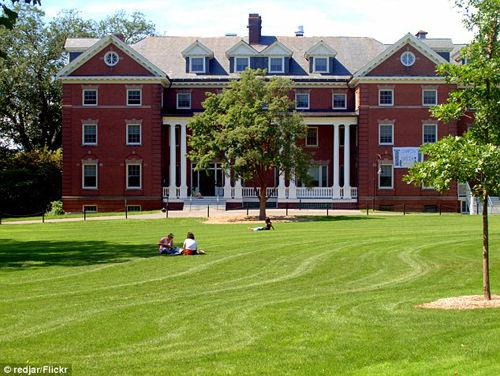 美国最大私立女校宣布将从今秋接收变性学生