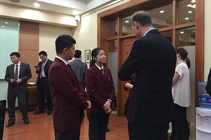 爱迪学生参加联合国圆桌会议d