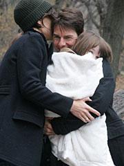 凯蒂当街吻老公