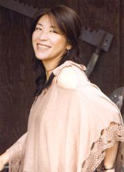 小野丽莎优雅笑容