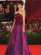 谭维维紫色晚装显气质