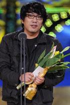 李荣周凭《不信地狱》获最佳剧本奖