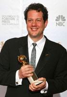 迈克尔-吉亚奇凭《飞屋环游记》获最佳原创电影音乐奖
