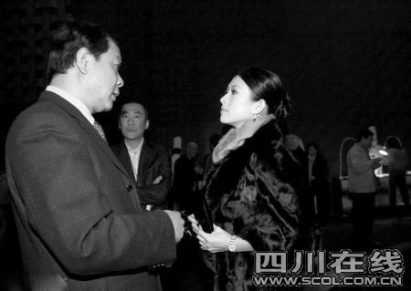 """借""""广电总局""""台子露面章子怡叹做演员不容易"""