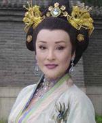 陈莎莉饰皇后