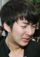 金亨俊痛哭流涕