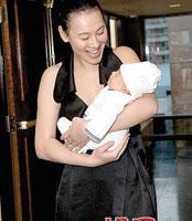 梁洛施与baby