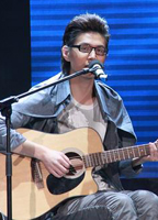 许峰吉他弹唱