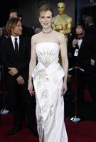 妮可基德曼白裙高贵大气