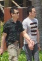 杨坤(右)
