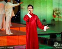 李玉刚长袍演绎《逐梦令》