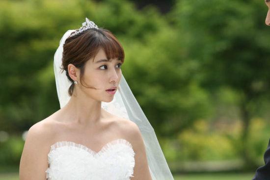 李敏贞披婚纱