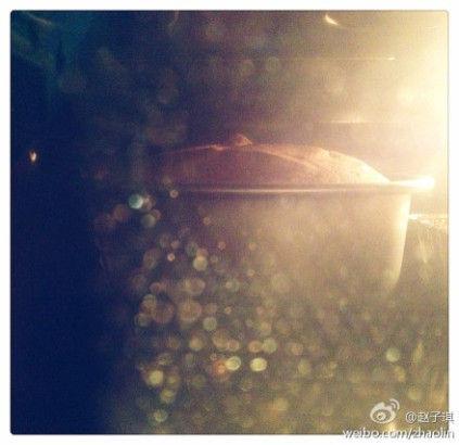 赵子琪深夜烤蛋糕