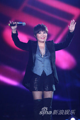 最佳国语女歌手黄小琥