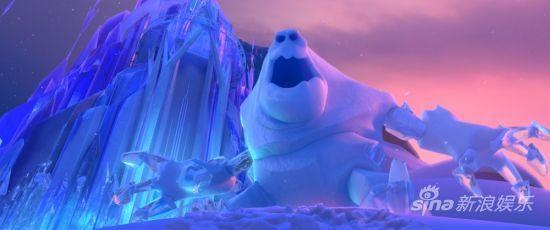 《冰雪奇緣》劇照-巨型雪怪來襲