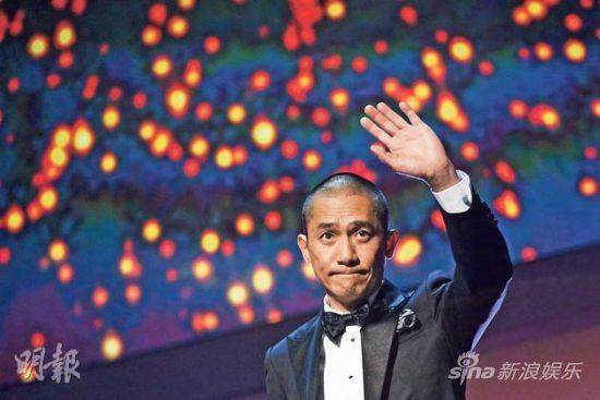 梁朝伟以评审身分出席开幕礼,举手投足难掩巨星风范