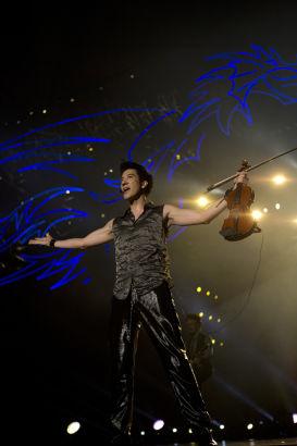 王力宏 轮番表演多项乐器绝技