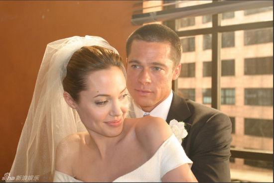 《史密斯夫妇》婚纱剧照