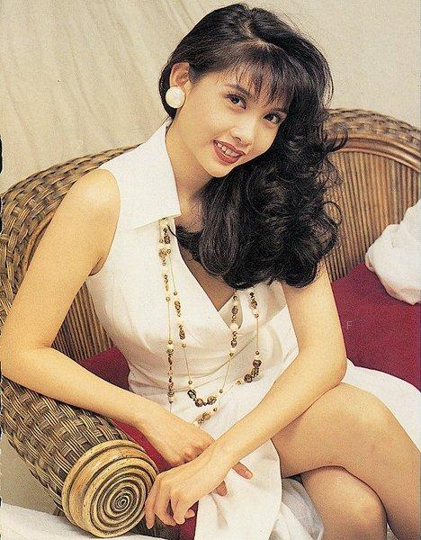 揭秘九龙香港女的丰胸现状生存性感美女图片