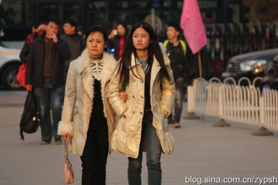实拍:北京电影学院艺考帅哥美女难寻图片