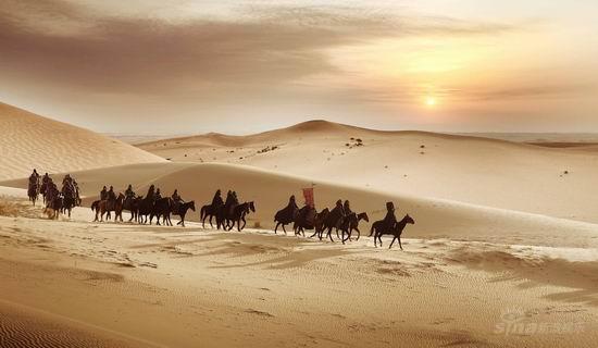 资料图片:电影《画皮》剧照--大漠落日