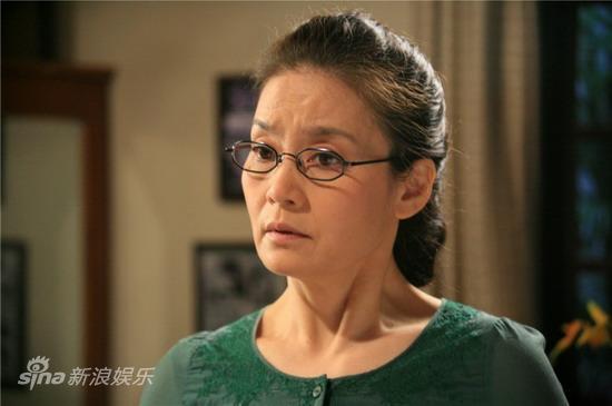 资料图片:电视剧《春暖花开》精彩剧照(36)