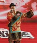 唱红歌的藏族歌手