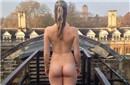剑桥学生参加美臀比赛