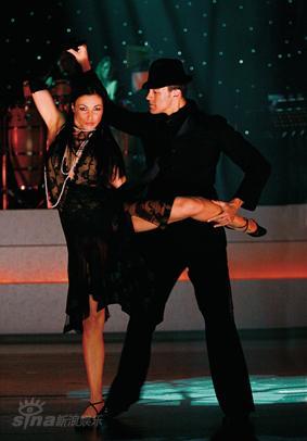 资料图片:舞蹈《燃烧地板》-精彩剧照(18)
