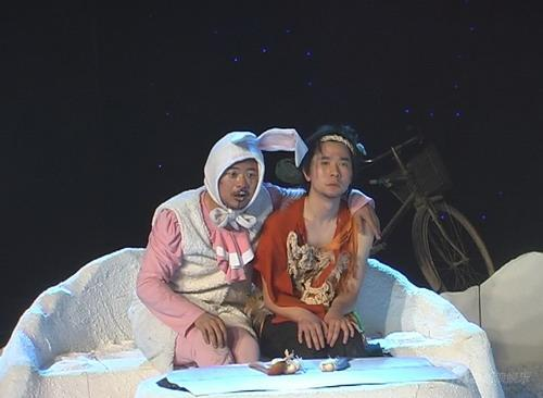 《月亮之上》情人节首演让情侣们告别鲜花(图)