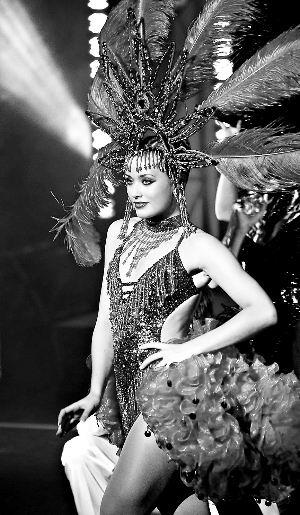 ABBA《舞蹈皇后》重回巅峰时代再现音乐传奇