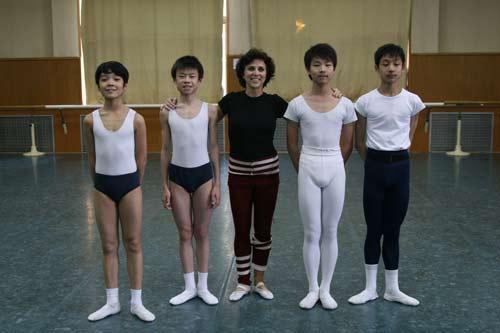 资料图片:瑞典皇家芭蕾舞团演员合影