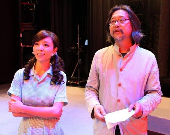 《陪我看电视》台北上演张静初林依轮演绎夫妇