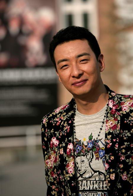资料:上海话剧艺术中心演员--郝平