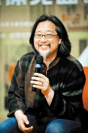 6月3日,赖声川在《那一夜,在旅途中说相声》发布会上。深圳商报记者 韩墨 摄
