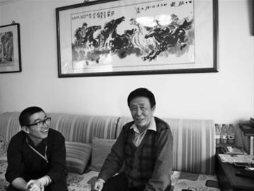 田连元在北京家中接受辽沈晚报记者专访。田连元家人 摄