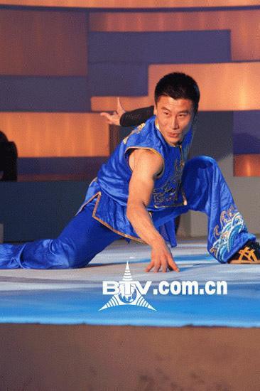 《龙的传人》晋级赛热战两位选手再获龙卡(图)