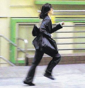 郑秀文《大搜查》变身女警下月重归大银幕(图)