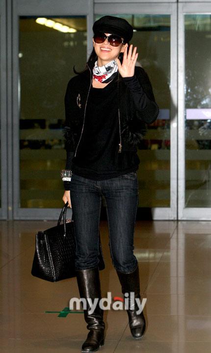 章子怡赴韩宣传《梅兰芳》机场现身气势足(图)