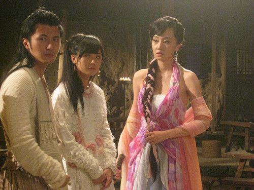 谢霆锋、蔡卓妍和刘洋在剧中