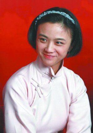 汤唯在电影《建党伟业》中饰演毛泽东的初恋女友陶毅(资料图片)