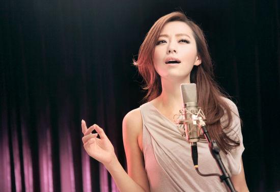 张靓颖为《画皮2》动情演唱主题曲
