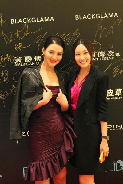 陈祉希(右)和演员白庆琳