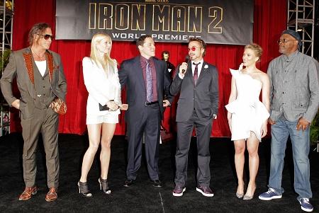 《钢铁侠2》美国首映小罗伯特-唐尼等悉数出席